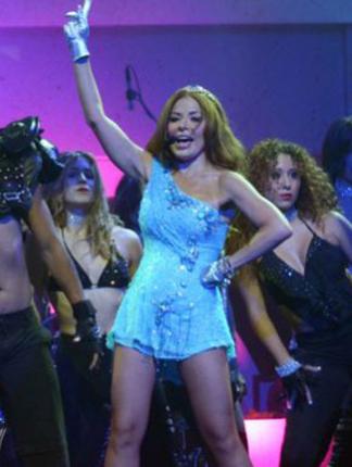 Gloria Trevi canta en Premios Texas producido por Ruben Robledo